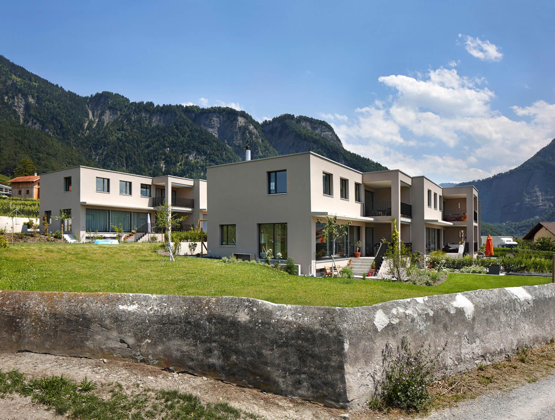 malans-doppeleinfamilienhaus-ansicht-seite